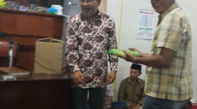 Pengajian dan Penyerahan Amanah Waqaf Quran di Masjid Djami' Sholihin, Padang Bajang, Mungka