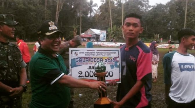 Penyerahan Piala Gala Desa 2018 Juara 1 Takraw